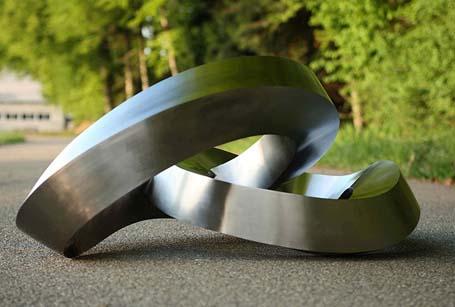 Esculturas Curvilíneas de Acero Inoxidable